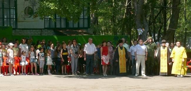В лагере «Соловьиная роща» торжественно открылась первая смена (фото).