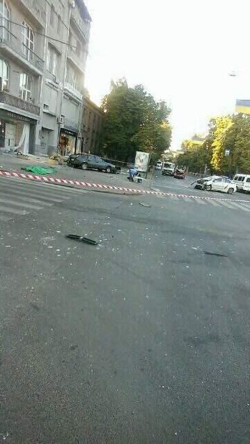 Машина патрульной полиции в Харькове врезалась в Москвич: погибли два человека
