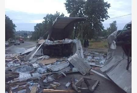 Под Харьковом столкнулись две фуры, есть погибший