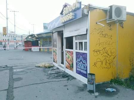 Ночью женщина в Запорожье облила себя бензином и подожгла 12:18 Женщина-патрульная смертельно травмировала подругу в Краматорске 12:14 Правительство назначило и.о. главы Госгеокадастра