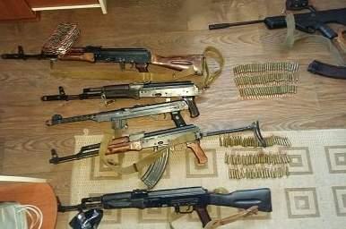 Большой арсенал оружия и боеприпасов изъяли в Киеве — А.Крищенко
