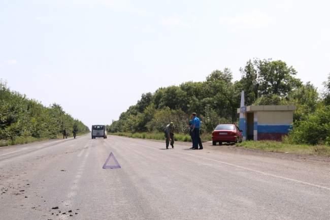 В Антрацитовском районе автобус «Москва-Горловка» съехал в кювет (фото)