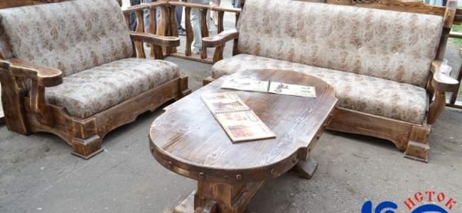 Республика богата мастерами: декоративную мебель представил на ВДНХ предприниматель из Лутугино