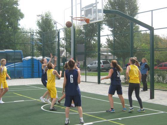 Баскетболисты ЛНР и ДНР провели турнир памяти тренеров, погибших под обстрелами ВСУ (ФОТО)
