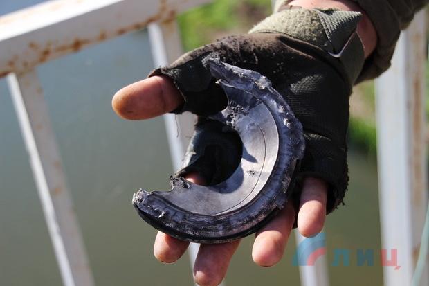Взрывное устройство сработало у Станицы, где находились наблюдатели ОБСЕ – Народная милиция (ФОТО)