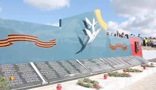 Владимир Дегтяренко принял участие в открытии Мемориала памяти погибшим ополченцам и бойцам Народной милиции ЛНР