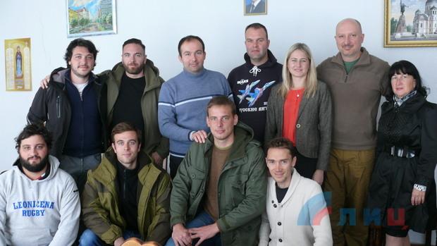 Первая группа иностранных туристов прибыла в Республику (ФОТО)