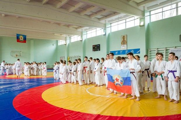 Более 130 спортсменов ЛНР и ДНР соревновались в чемпионате по айкидо в Луганске (ФОТО)