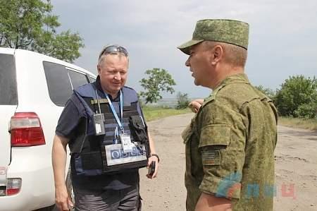 Представители ЛНР в СЦКК зафиксировали последствия обстрела поселка Донецкий