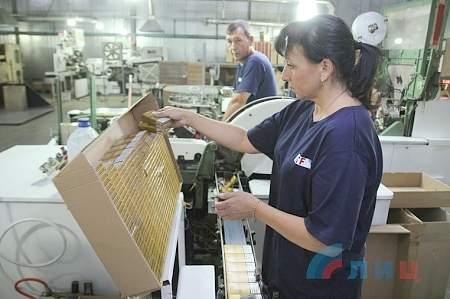Первая в ЛНР табачная фабрика за полгода работы заплатила более 15 млн рублей налогов