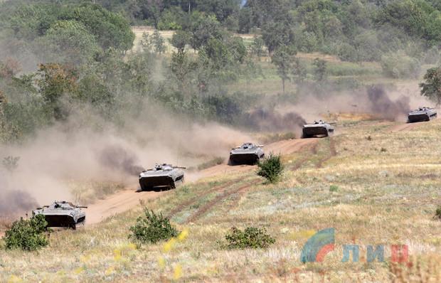 Мотострелки и артиллеристы ЛНР провели совместные занятия по управлению огнем (ФОТО)