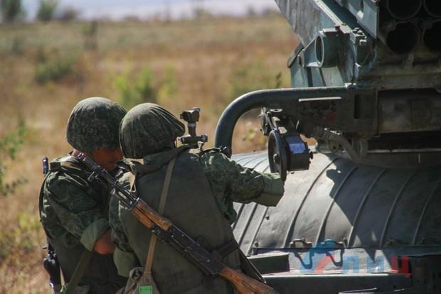 """Народная милиция провела """"артиллерийский дартс"""" среди экипажей БМ-21 """"Град"""" (ФОТО)"""