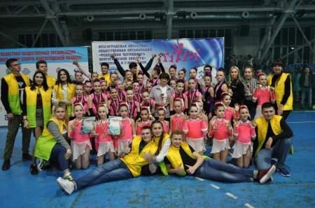 Луганские спортсменки заняли 10 призовых мест на турнире по чирлидингу в Волгограде