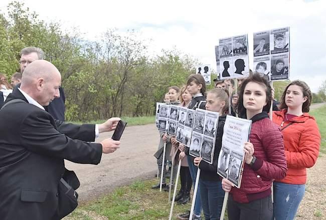 """Люди в мире должны знать правду о событиях в Донбассе""""> Продолжить чтение Мир! Труд! Май! Первомай в Луганске 01 Май 2019."""