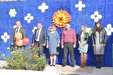 Власти Республики в рамках Программы — 2023 передали школьный автобус гимназии Первомайска