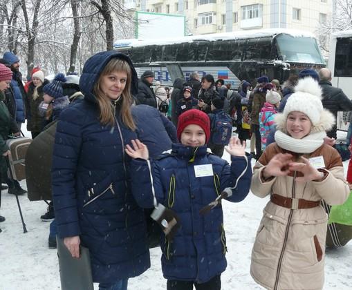 """Первая в 2020 году группа детей ЛНР отправилась на отдых в подмосковный лагерь """"Снегири"""" (ФОТО)"""