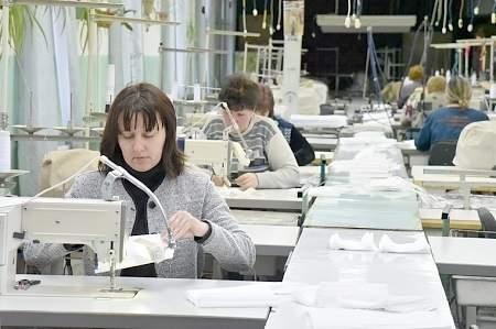 Республика оперативно наладила выпуск защитных масок на базе одной из фабрик (ФОТО)