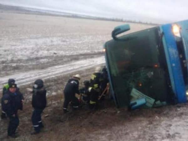 Пассажирский автобус Москва–Луганск перевернулся в Ростовской области