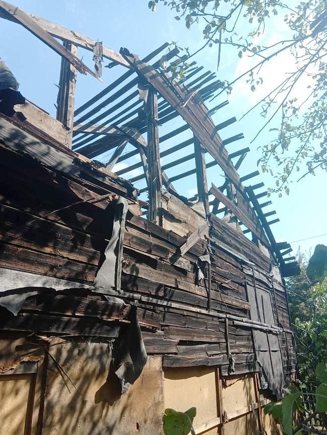Украинские каратели обстреляли жилые районы п. Донецкий г. Кировска (ФОТО)
