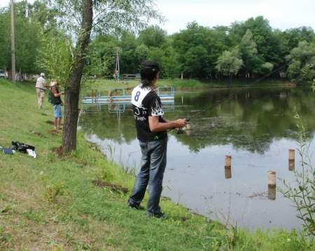 принять участие в круглосуточной рыбалке в парке